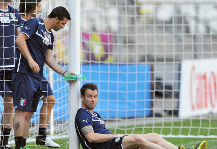 Antonio Cassano, al momento lancia l'Italia in testa al girone (Foto: Infophoto)