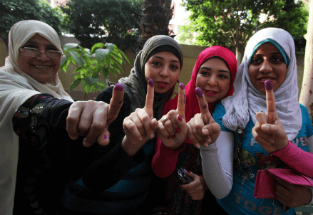 Un momento delle elezioni in Egitto (InfoPhoto)