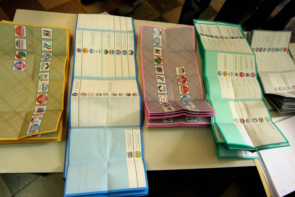 Alcune schede elettorali