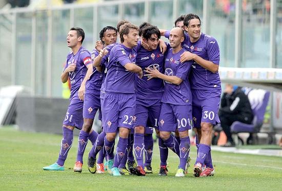 Un'esultanza della Fiorentina (Infophoto)