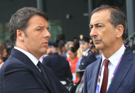 Matteo Renzi con Giuseppe Sala (Infophoto)