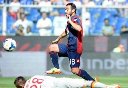 Ioannis Fetfatzidis, 23 anni, scavalca Skorupski e segna il gol vittoria (INFOPHOTO)