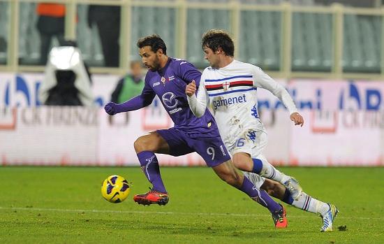 Una fase di gioco tra Fiorentina e Sampdoria (INFOPHOTO)