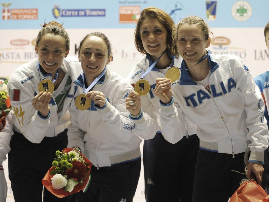 La squadra femminile di fioretto (Infophoto)