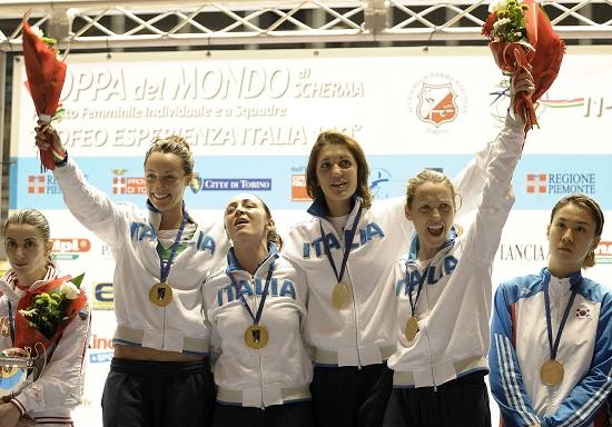 La gioia delle nostre fiorettiste, campioni olimpiche nel fioretto a squadre (INFOPHOTO)
