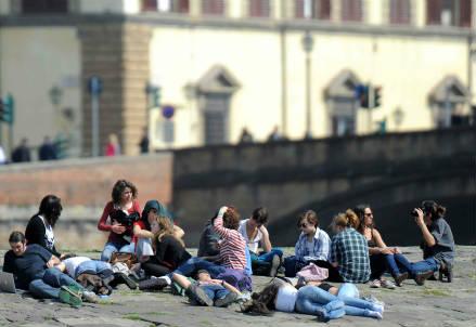 Giovani a Firenze (InfoPhoto)
