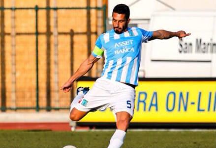 Alessandro Fogacci, 34 anni, difensore di San Marino (dall'account Twitter ufficiale @SanMarinoCalcio)