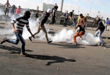 Gas lacrimogeni contro i manifestanti
