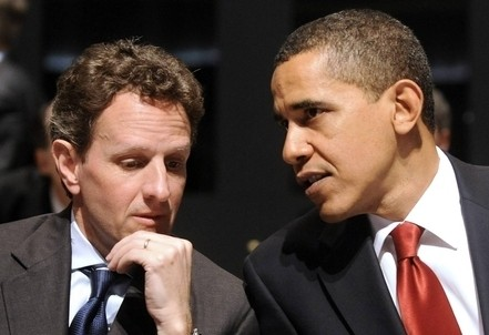 Timothy Geithner (S) con Barack Obama (Infophoto)