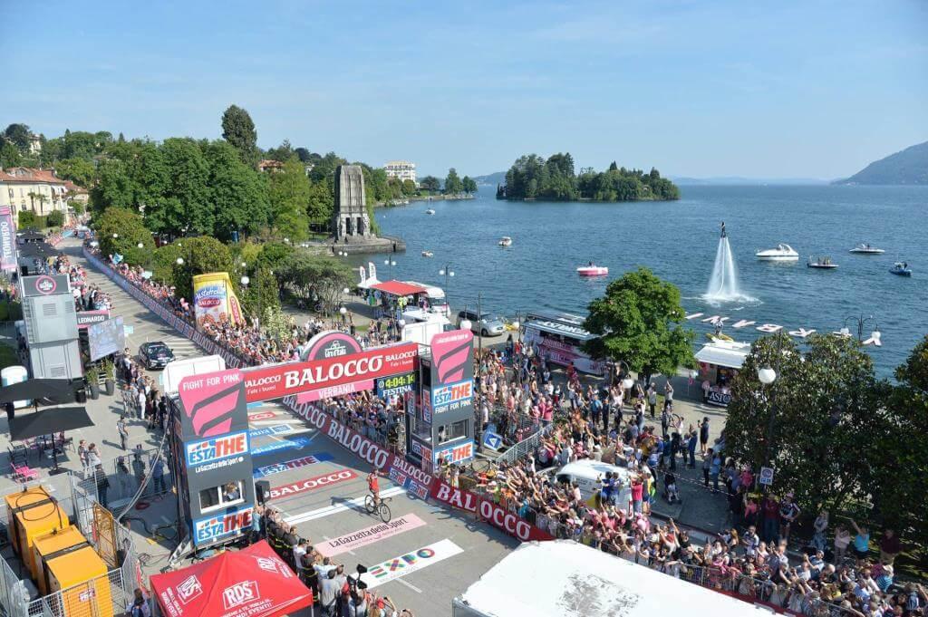 Philippe Gilbert sul traguardo di Verbania (da Facebook Giro d'Italia)