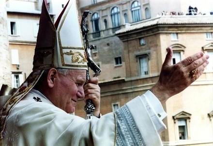 Giovanni Paolo II (Infophoto)