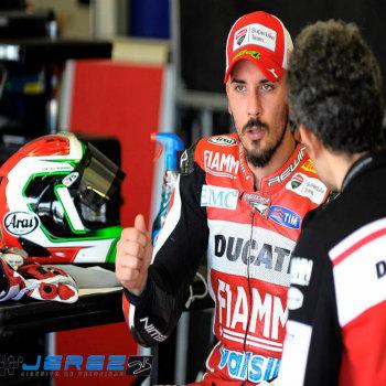 Davide Giugliano al box di Jerez