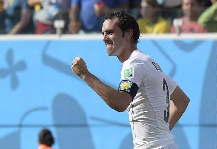 Deigo Godin, 28 anni (dal profilo Twitter ufficiale @FIFAWorldCup)