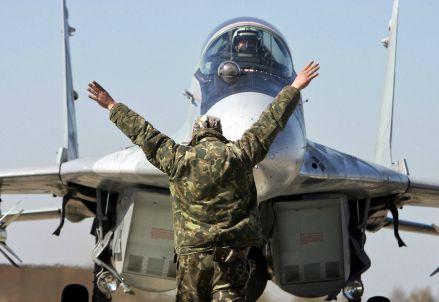 Mig russo pronto al decollo (Infophoto)