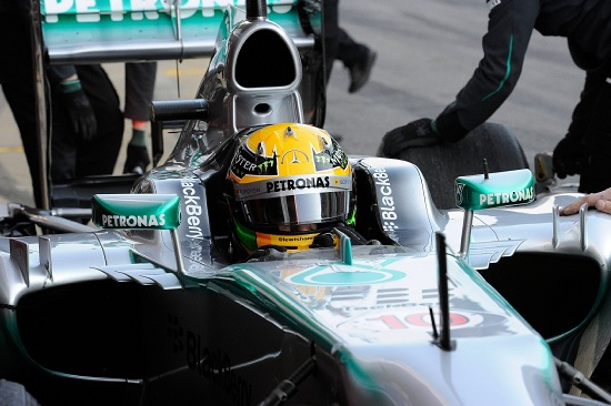 Lewis Hamilton al volante della Mercedes (Infophoto)