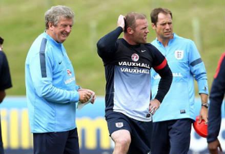 Roy Hodgson con Wayne Rooney (Infophoto)