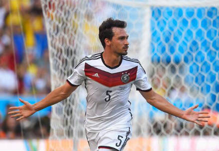 Mats Hummels, 25 anni (dal profilo Twitter ufficiale @FIFAWorldCup)