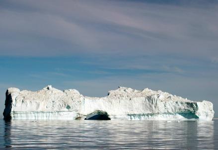 Un iceberg nell'Oceano Atlantico