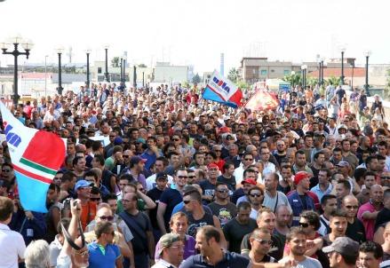 La protesta degli operai dell'Ilva