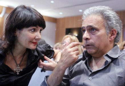 Elisabetta Sgarbi e lo scrittore Hanif Kureishi in una passata edizione della