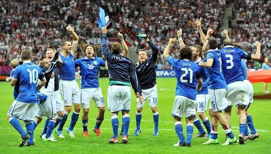 L'esultanza degli azzurri dopo la vittoria contro la Germania (INFOPHOTO)