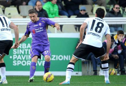 Joaquin, 33 anni, spagnolo della Fiorentina e Massimo Gobbi, 34, del Parma (INFOPHOTO)