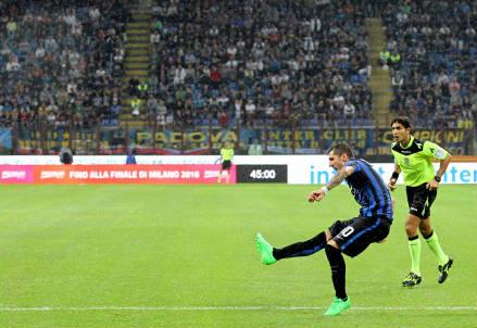 Stevan Jovetic nella partita d'andata (Infophoto)