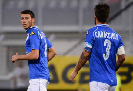 Tomasz Kupisz (sinistra), 25 anni ed Antonio Caracciolo, 33 (dall'account Twitter ufficiale @BresciaOfficial)