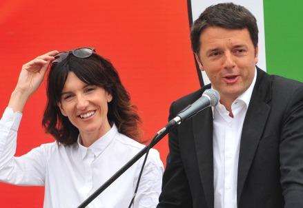 Raffaella Paita con Matteo Renzi (Infophoto)