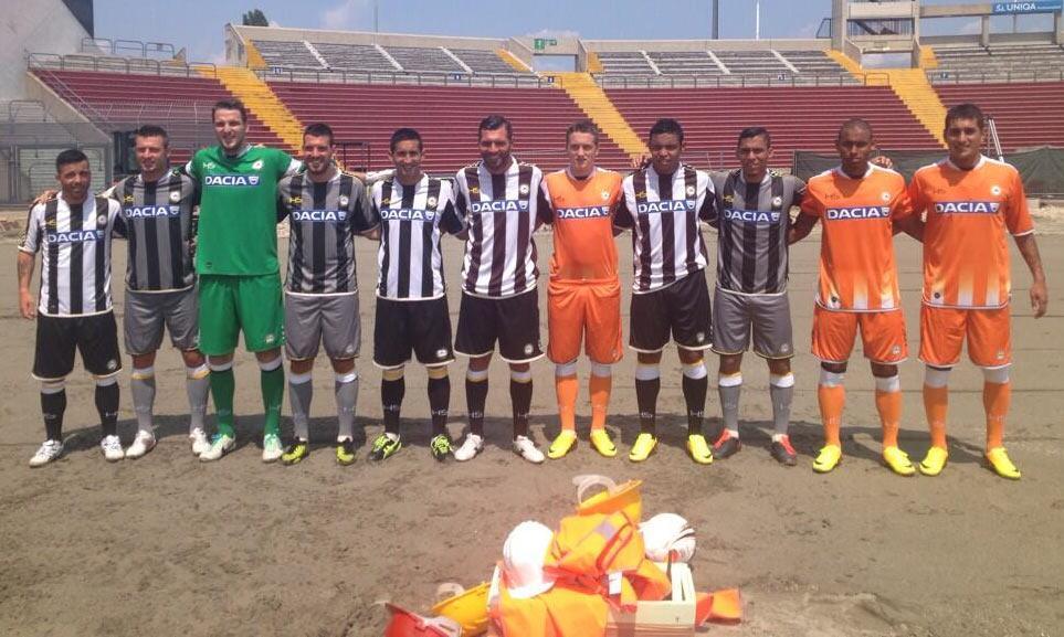 Le maglie dell'Udinese allo stadio Friuli