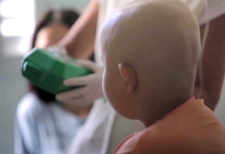 Un bambino malato (Infophoto)
