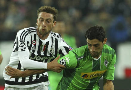 Claudio Marchisio (sinistra), 29 anni e Lars Stindl, 27 (dall'account Twitter ufficiale @ChampionsLeague)