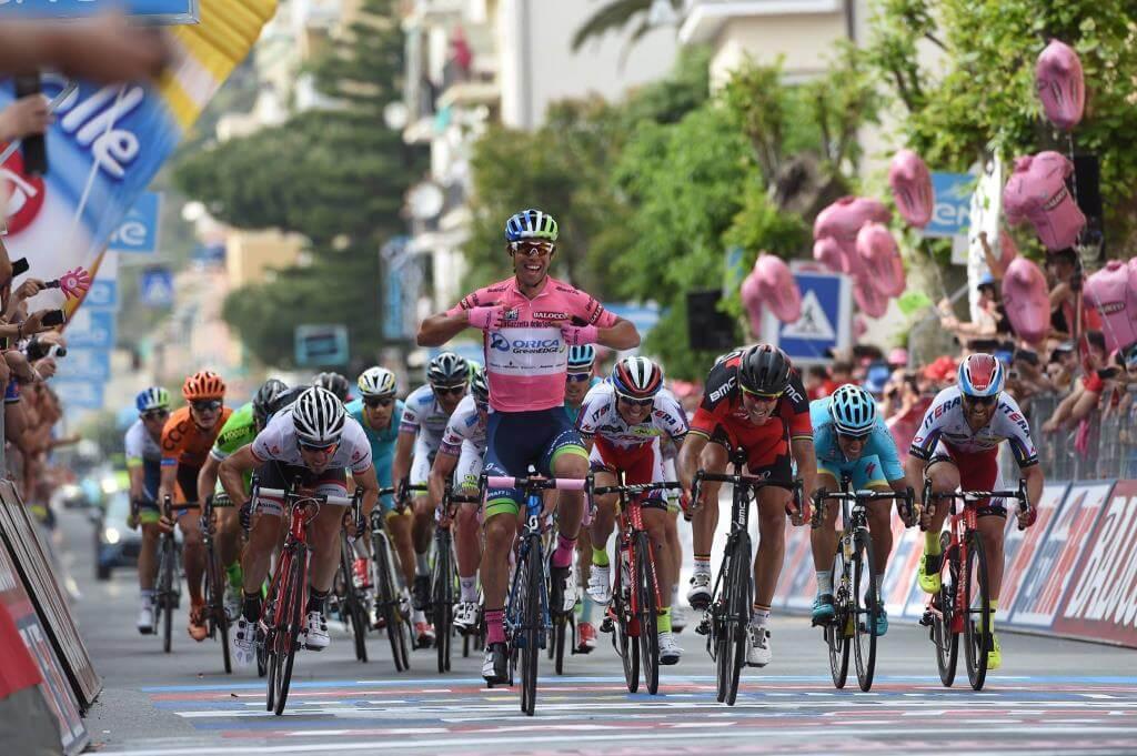 Michael Matthews vince a Sestri Levante (da Facebook Giro d'Italia)