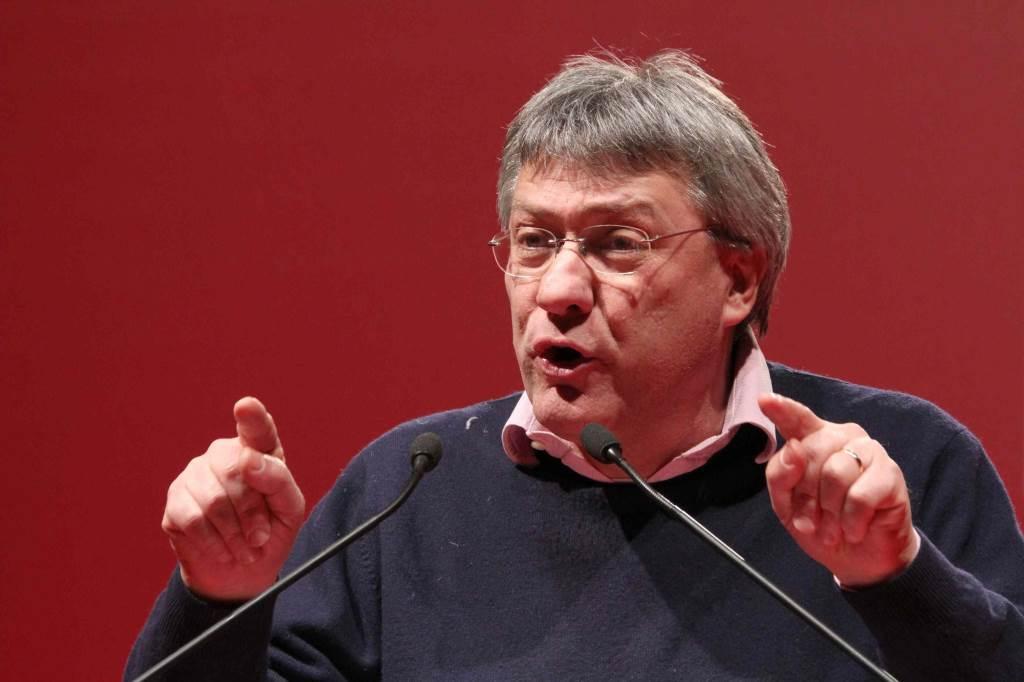 Il segretario Fiom Maurizio Landini (Infophoto)