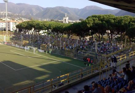 Lo stadio Romeo Menti di Castellammare di Stabia (dall'account Twitter ufficiale @ssjuvestabiaspa)