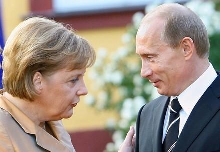 Angela Merkel e Vladimir Putin (Infophoto)