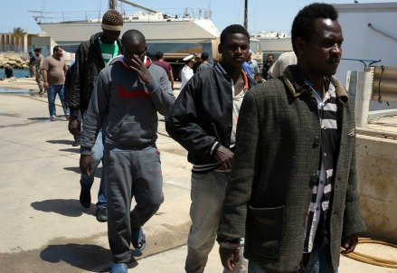 Migranti (infophoto)