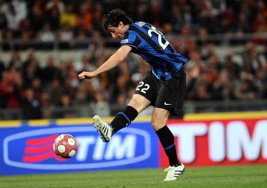 Il gol di Diego Milito nella finale di Coppa Italia del 2010 (Infophoto)