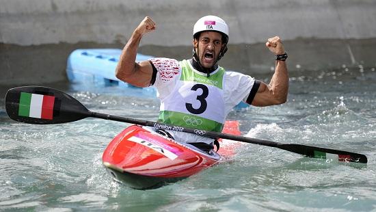 Daniele Molmenti, oro nella canoa e portabandiera stasera nella cerimonia di chiusura (Infophoto)