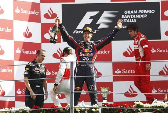 Il podio del Gran Premio di Monza del 2011 (Infophoto)