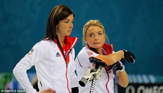 Eve Muirhead (sinistra)
