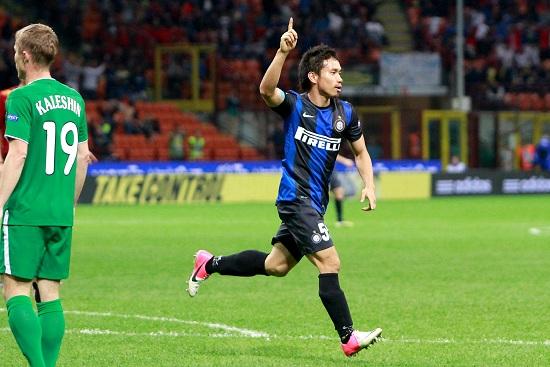 Yuto Nagatomo festeggia la rete segnata contro il Rubin Kazan (Infophoto)