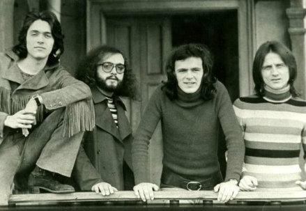 I Pooh con Valerio Negrini, il secondo da sinistra