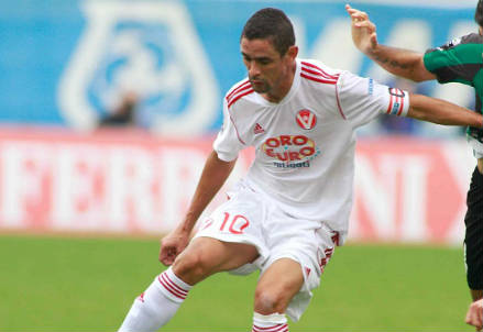 Leonidas Neto Pereira, attaccante del Varese (Infophoto)