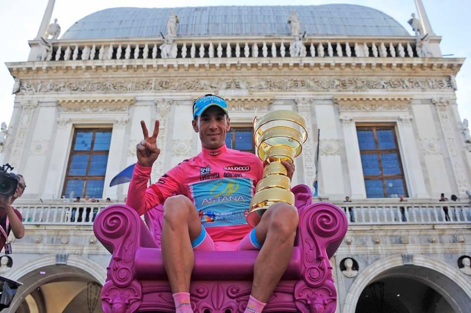 Vincenzo Nibali premiato a Brescia
