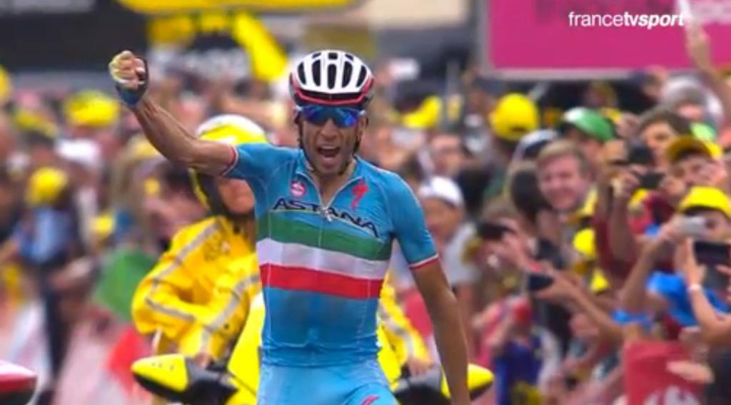 Vincenzo Nibali esulta a La Toussuire (da Facebook Le Tour de France)