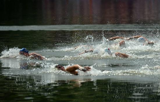 Nuoto (Infophoto)
