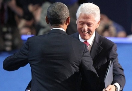 Il presidente Obama con Bill Clinton (InfoPhoto)