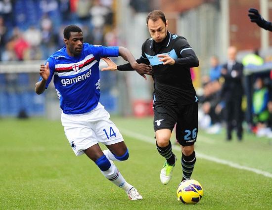 Pedro Obiang contrastato da Stefan Radu (Infophoto)