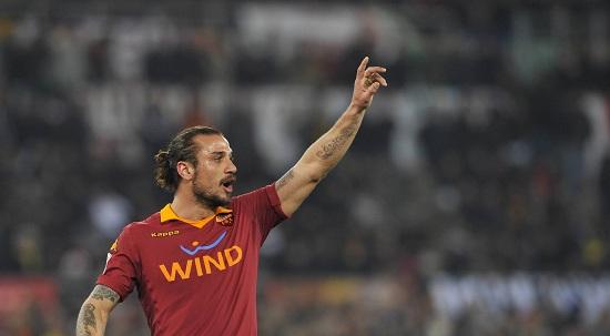 Daniel Pablo Osvaldo con la maglia della Roma - InfoPhoto